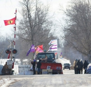 protesters along rail in Canada
